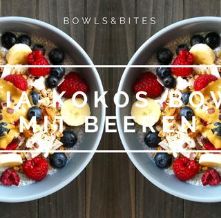 Vegane Chia-Kokos-Bowl mit Beeren