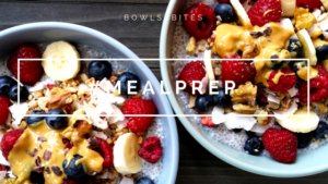 Chia-Kokos-Bowl mit Beeren und Nüssen #glutenfrei #laktosefrei #paleo #vegan by bowlsnbites.com